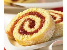 Rhubarb Jelly: Sweet and satisfying -- perfect for a jelly roll! Rhubarb Jelly, Sem Gluten Sem Lactose, Cake Recipes, Dessert Recipes, Orange Rolls, Just Eat It, Rhubarb Recipes, Orange Recipes, Food Cakes