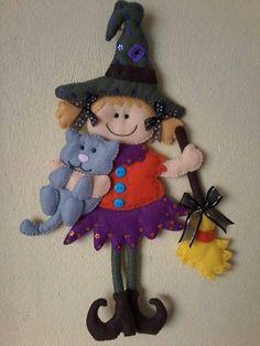 Brujita y gato Moldes Halloween, Adornos Halloween, Halloween Quilts, Halloween Doll, Halloween Patterns, Cute Halloween, Halloween Crafts, Holiday Crafts, Halloween Rocks