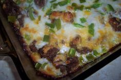 Easy zucchini and ground beef pizza casserole This is a fast and really tasty dish! You can use your own favorite pizza sauce for this, I use my own recipe Pizza Casserole, Ground Beef Casserole, Casserole Recipes, Zucchini Casserole, Casserole Dishes, Low Carb Recipes, Cooking Recipes, Healthy Recipes, Steak Recipes