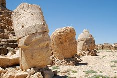 Nemrut is a meter ft) high mountain in southeastern Turkey, near the city of Adiyaman. Large number of statues are erected around what is assumed to be a royal tomb from the century BC. Holiday Destinations, Amazing Destinations, Best Places To Travel, Places To Visit, Best Travel Credit Cards, Turkey Places, Famous Waterfalls, Need A Vacation, Turkey Travel
