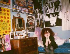 Room Ideas Bedroom, Bedroom Inspo, Bedroom Wall, Bedroom Decor, Punk Bedroom, My New Room, My Room, Dream Rooms, Dream Bedroom