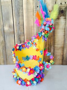 It& that time of year that parents of primary kids start planning some ideas to make a fun and creative Easter Hat to present at schools Easter bonnet parade. Crazy Hat Day, Crazy Hats, Easter Crafts, Crafts For Kids, Easter Ideas, Christmas Crafts, Diy Crafts, Easter Bonnets For Boys, Easter Hat Parade