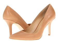 5 Things Women Over 40 Should Know About Style - everyone should own at least one pair of nude pumps!