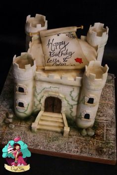 I was asked to make a joint cake for 2 people having a surprise party, they wanted the cake to be a medieval castle as the recipients loved visiting them and had even come up with a new word……Castleing…(to visit many castles) lol, best part is...