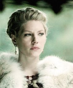 Earl Lagertha, Katheryn Winnick, Vikings