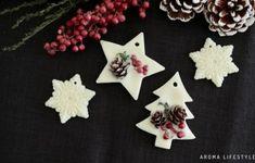 5分でできる!アロマスプレーの作り方 | アロマライフスタイル Shea Butter Cream, Candle Shop, Hand Cream, Soy Candles, The Balm, Christmas Crafts, Fragrance, Handmade, Decorations