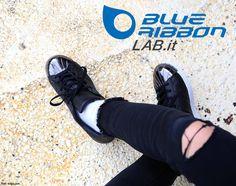 Adidas Superstar Metal Toe W Adidas Superstar, Adidas Originals, All Black Sneakers, Adidas Sneakers, Toe, Metal, Fashion, Adidas Tennis Wear, Moda