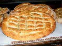 Turkish Ramazan pide bread is paradise for your taste buds! This special treat for the holy month of Ramazan is divine. Healthy Bread Recipes, Cooking Recipes, Healthy Food, Tortillas, Turkish Recipes, Turkish Pide Bread Recipe, Romanian Recipes, Scottish Recipes, Recipes