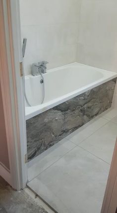 Strategy, formulas, along with overview for obtaining the very best outcome as well as coming up with the max perusal of Diy Bathroom Makeover Bathroom Design Luxury, Bathroom Layout, Simple Bathroom, Modern Bathroom Design, Master Bathroom, Modern Bathrooms, Master Bedrooms, Modern Bathroom Vanities, Cool Bathroom Ideas