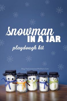 Idéer til gaver på glas. Snowman In A Jar Playdough Kit - Gifts In A Jar Ideas Diy Gifts In A Jar, Mason Jar Gifts, Mason Jar Diy, Homemade Gifts, Craft Gifts, Christmas Jars, Preschool Christmas, Christmas Holiday, Christmas Presents