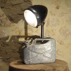 LAMPE JERRICAN INDUSTRIELLE 88,90 EUROS EN VENTE SUR http://www.alittlemarket.com/luminaires/fr_grande_lampe_luminaire_creation_unique_recup_industriel_-10679473.html