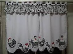 10 decorative accessories that make life easier for moms - My Romodel Country Curtains, Diy Curtains, Kitchen Curtains, Window Curtains, Cortinas Country, Chicken Crafts, Curtain Designs, Love Sewing, Window Coverings