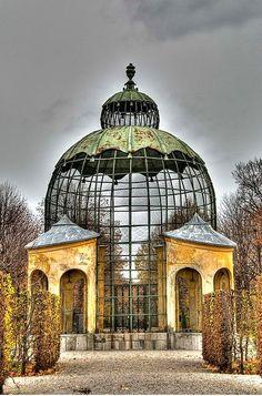 Pavillon für Vögel in Schönbrunn, Wien  (avairy)