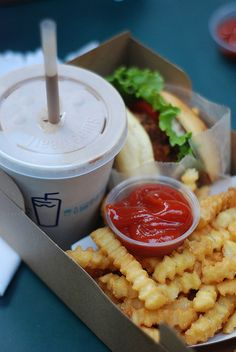 cannot wait to move to nyc and be near shake shack <3 <3 <3