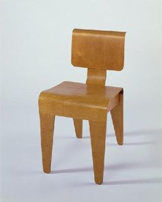 Isokon Dining Chair. Marcel Breuer. England. 1936. Plywood. h. 76.2 x w. 42.0 x d. 50.8 cm. Acquired 1975. UEA 31162d