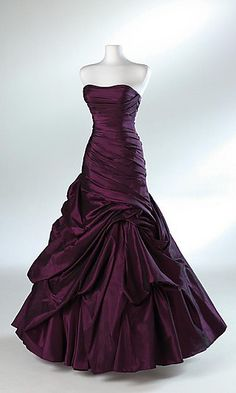 I saw this dress on Pinterest, and do not know where to get it! any help appreciated. I love this dress.