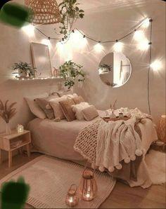 Cute Bedroom Decor, Bedroom Decor For Teen Girls, Room Design Bedroom, Small Room Bedroom, Room Ideas Bedroom, Small Rooms, Bedroom Inspo, Small Space, Lighting Ideas Bedroom