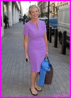 Gossip to go Bad news for The Voice fans! Ricky Wilson says he's quitting after the next series She may have left Strictly, but Carol Kirkwood is still reaping the rewards of her time on the dance floor. Fitness expert Laurel Alper says, â˜I'd say Carol's lost 2st and gone from a size 14 to … Carol Kirkwood, Curvy Women Outfits, Clothes For Women, Female News Anchors, Beautiful Old Woman, Beautiful Females, Sexy Older Women, Voluptuous Women, Style
