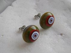 Beautifull stud earrings from yellowgreen&red opal glass with Glass Earrings, Stud Earrings, Red Opal, Surgical Steel Earrings, Glass Flowers, Fused Glass, Yellow, Green, Handmade
