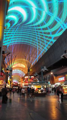 Fremont Street, Las Vegas, NV Whitney took us her on our last day in Vegas last summer. Las Vegas Resorts, Las Vegas Trip, Las Vegas Nevada, Places To Travel, Places To Visit, San Francisco, Honeymoon Inspiration, Fremont Street, Vacation Trips