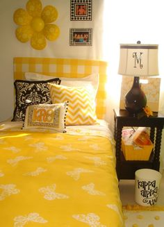 theta dorm room