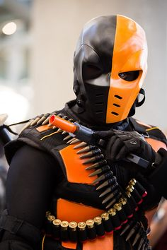 Character: Deathstroke (Slade Wilson) / From: DC Comics 'Teen Titans' & CW's 'Arrow' T.V. Series / Cosplayer: Unknown / Event: Comikaze 2014