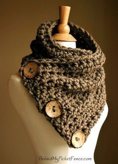 New BOSTON HARBOR Scarf -Warm, soft stylish scarf with 3 large coconut buttons (no pattern, but it just looks like double stitch with chunky yarn, easy! Knitting Projects, Crochet Projects, Knitting Patterns, Crochet Patterns, Scarf Patterns, Crochet Ideas, Knitting Tutorials, Loom Knitting, Free Knitting
