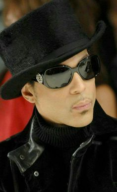 ½ So there was Prince sitting next to Trudie Styler at the Matthew Williamson runway show during London Fashion Week in 2007 – looking every inch the royal badass he was – when the on-stage band started the show. The song was Chelsea Rogers. Sheila E, Mavis Staples, Madonna, Pictures Of Prince, Prince Images, Prince Purple Rain, Paisley Park, Vogue, Roger Nelson