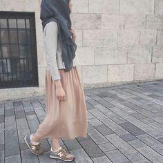H Modest Outfits, Modest Fashion, Skirt Fashion, Chic Outfits, Hijab Fashion, Dress Outfits, Fall Outfits, Women's Fashion, Mode Hijab