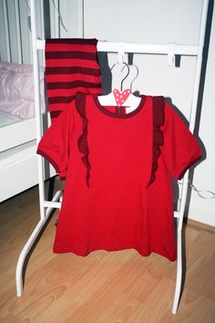 Alexandra Olsson bloggar om Lingon & Blåbär! Pyjamas, Social Media, Mens Tops, T Shirt, Fashion, Supreme T Shirt, Moda, Tee, Fashion Styles