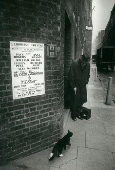 T.S. Eliot, 1958 in London © by Larry Burrows - #O.Lettera-Ti - @Libriamo Tutti