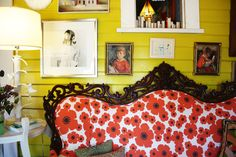 Need some one with bold tastes to paint the walls a great color to match the couch. Victorian sofa upholstered in Marimekko Apartment Sofa, Apartment Therapy, Houses In Austin, Victorian Sofa, Vintage Sofa, Antique Couch, Yellow Walls, Upholstered Sofa, House Colors