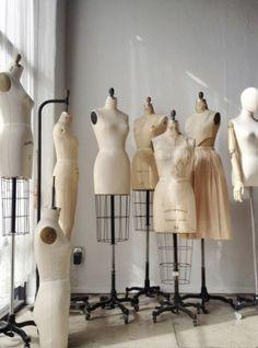 Student Fashion, School Fashion, New Fashion, Trendy Fashion, Vintage Fashion, Vintage Mannequin, Dress Form Mannequin, Moda Aesthetic, Aesthetic Fashion
