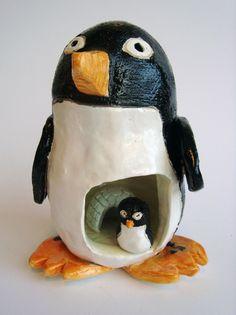 for clay pinch pot ideas Clay Pinch Pots, Ceramic Pinch Pots, Clay Art Projects, Ceramics Projects, Ceramics Ideas, Art Clay, High School Ceramics, Pottery Animals, Ceramic Animals