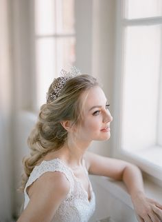 I am the Queen crown - Lorelai Queen Crown, Bridal Accessories, Fashion, Moda, Fashion Styles, Fashion Illustrations, Wedding Accessories