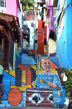 Conheça o projeto que está levando arte para dentro de uma favela no RJ