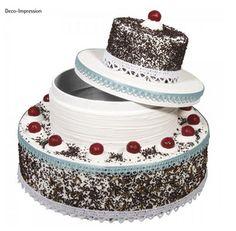 Geld hinein und schmücken - fertig! Cake, Desserts, Creative Money Gifts, Gift Wedding, Card Wedding, Newlyweds, Tailgate Desserts, Deserts, Kuchen