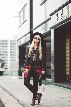 Olga Choi fashion blogger South Korea myblondegal elegant smart chic grunge style Armani Exchange leather jacket Romwe plaid shirt Forever 21 chain bag Choies studded ankle boots-08969