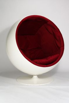 Eero Aarnio//   ball chair