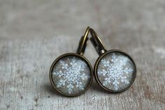 Snowflakes Cabochon Earrings / winter jewelry / crystal / grey