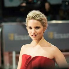 Did darren criss dating dianna agron short hair