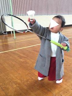 朝から甥っ子のリクエストで、 バドミントンに😊 娘ちゃんもやりたくて、一生懸命ラケットと シャトル