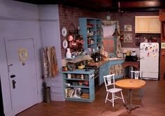 Jimmy-Kimmels-replica-of-the-Friends-TV-sitcom-kitchen.jpg (533×375)