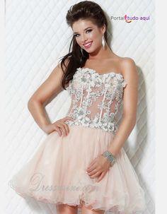 Confira a nossa top seleção com os sete modelos de vestidos de debutantes para todos os gostos