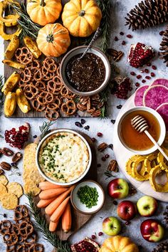 This Creamy Baked Goat Cheese Dip is quick appetizer recipe that is perfect for any of your entertaining throughout the year. Quick Appetizers, Appetizer Recipes, Baked Goat Cheese, Goat Cheese Recipes, Clean Eating Snacks, Vegetarian Recipes, Entertaining, Flatlay Food, Healthy Dips