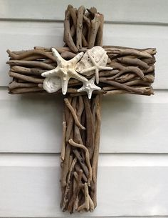Bedroom: Driftwood Seashell Cross by MyHoneypickles.....LOVE LOVE LOVE