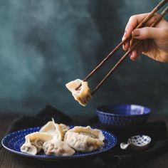 Dumplings der besonderen Art gefüllt mir Fleisch und Sugo. Partys, Dumplings, Coconut Curry, Play Dough, Meat, Essen