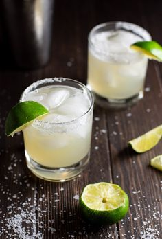 Classic Margarita Recipe Stop using margarita mix. A classic and real margarita recipe made with tequila, fresh lime juice, triple sec, and simple syrup. Margarita Recipe Triple Sec, Original Margarita Recipe, Classic Margarita Recipe, Margarita Recipes, Margarita Recipe With Simple Syrup, Red Sangria Recipes, Easy Drink Recipes, Cocktails, Recipes