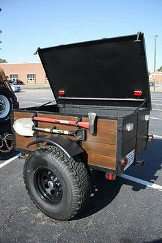 Would you like to go camping? If you would, you may be interested in turning your next camping adventure into a camping vacation. Camping vacations are fun Atv Trailers, Adventure Trailers, Custom Trailers, Off Road Trailer, Small Trailer, Trailer Build, Off Road Utility Trailer, Truck Tools, Truck Tool Box