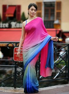 Tamanna Bhatia Looking Gorgeous In Pink and Blue Saree ★ Desipixer ★ Indian Ethnic, Indian Girls, Blue Saree, Elegant Saree, Indian Beauty Saree, Beautiful Saree, Beautiful Women, Indian Models, Pink Outfits
